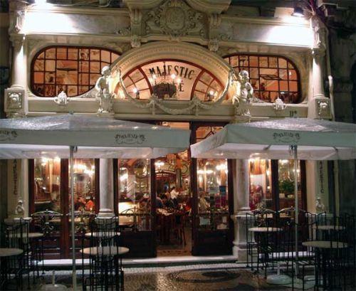 Café Majestic is een prachtig oud Belle Epoque-café.